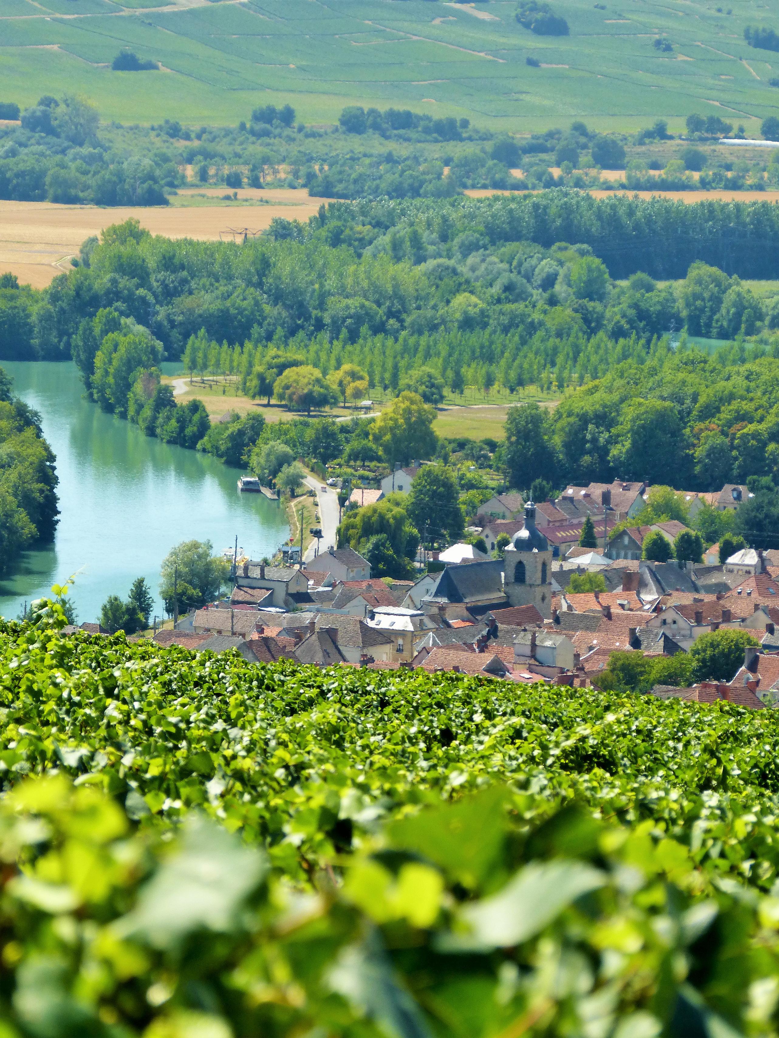Vue sur le village de Cumières ©PNRMR